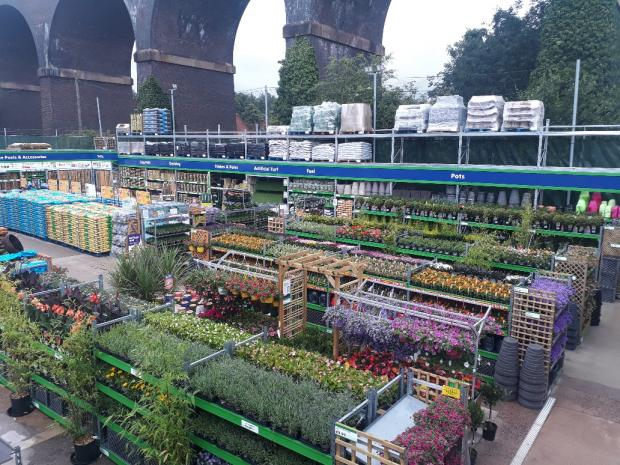 Kidderminster Shuttle: The garden centre at the new B&M in Kidderminster