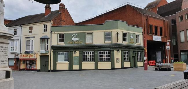 The Swan at Kidderminster will remain closed as owners have decided to walk away from the business