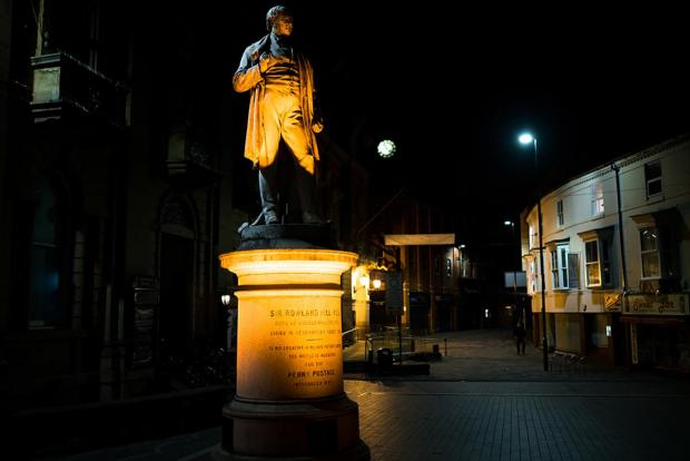 Kidderminster Shuttle: The statue of Sir Rowland Hill outside Kidderminster Town Hall