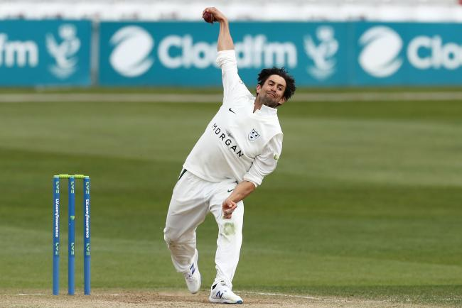 Worcestershire's Brett D'Oliveira in bowling action during the Essex v Worcestershire, Day Two of the County Championship Group One game. The Cloudfm County Ground, New Writtle St, Chelmsford CM2 0PG Picture by James Marsh. 9.4.21. Contact