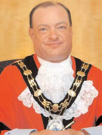 Stourport Mayor pledges to carry on after non-attendance row