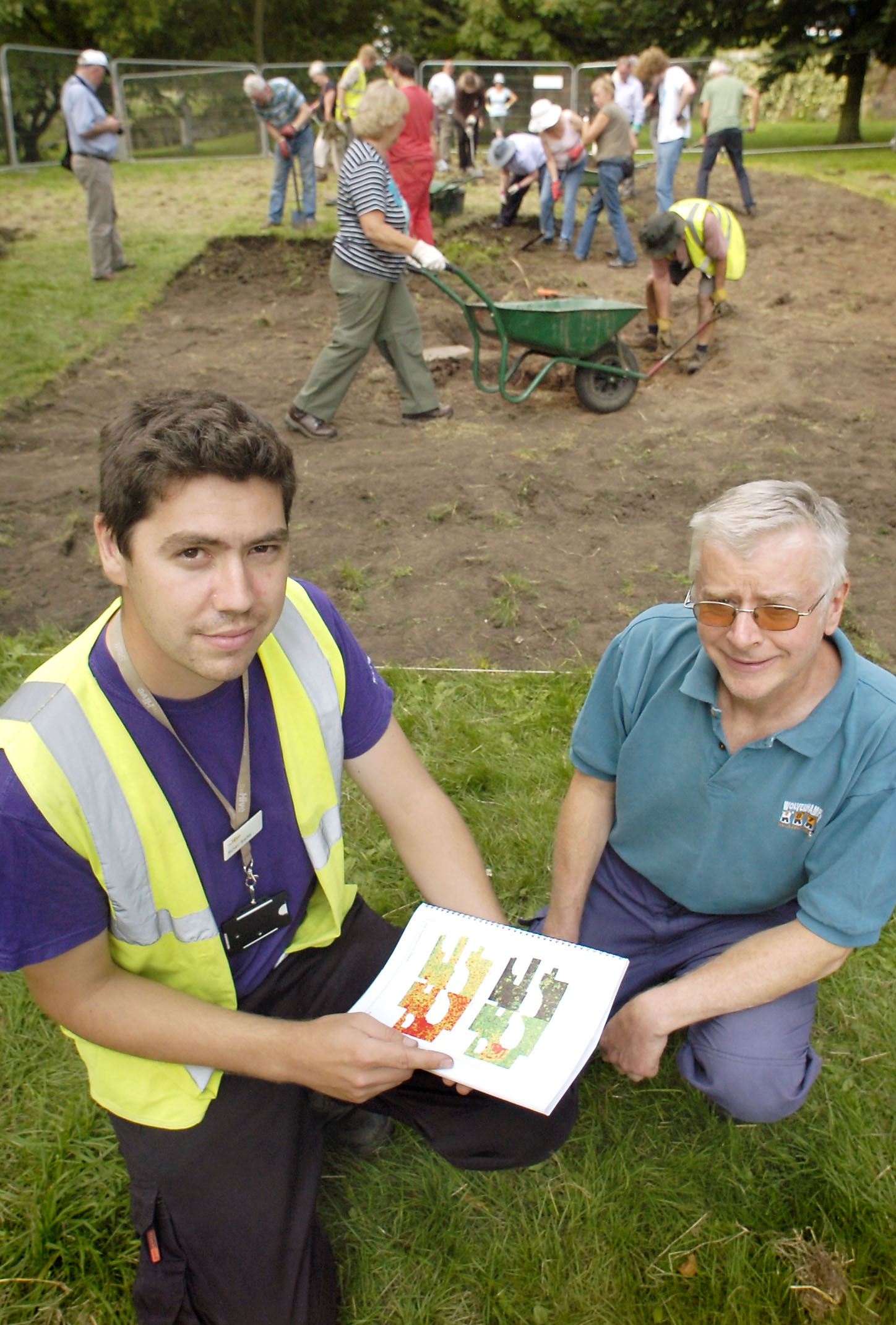 Digging in: Project officer Richard Bradley, left, and project leader Nigel Gilbert, of Kidderminster Civic Society.