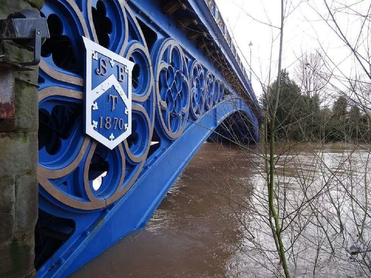 Flooding: Stourport bridge. Picture: Cathryn Greenwood.