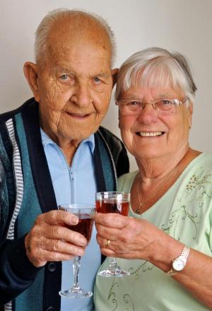 SIXTY YEARS WED: Claude and Vera Cook. 311422LA