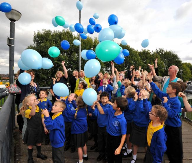 John Anyon     1/10/14     4014717501  Balloon release on Sabrina Bridge on Wednesday to mark the launch of The Rivers C of E Multi Academy Trust involving St Clement's Primary, Cutnall Green Primary and Heronswood Primary Schools (11008931)
