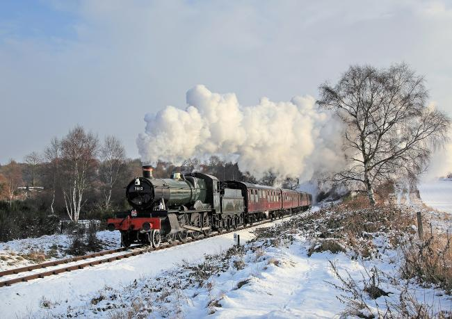 No.7812 Erlestoke Manor in the snow earlier this month