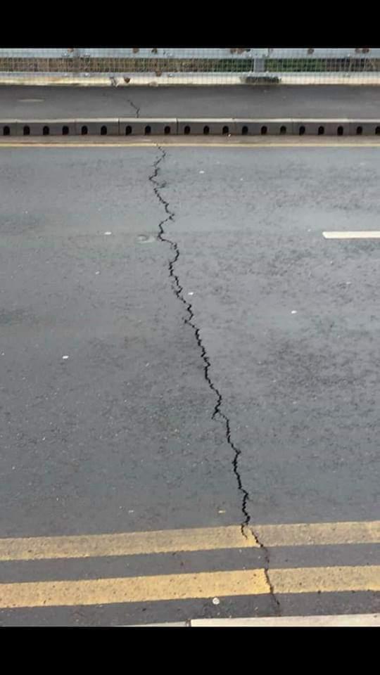 Stourport road bridge is safe despite cracked surface